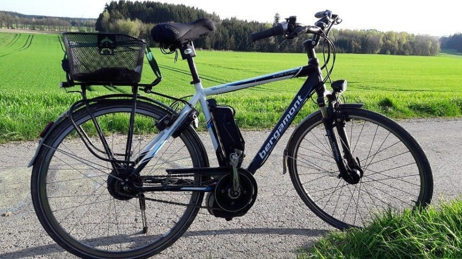 Easy E-Biking - e-bike parked nature, helping to make electric biking practical and fun