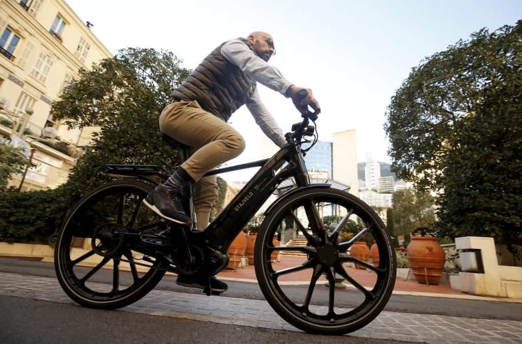 Easy E-Biking - man riding city e-bike, helping to make electric biking practical and fun