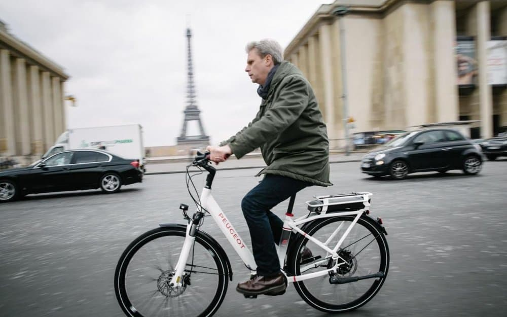 Easy E-Biking - Peugeot e-cyclist, Paris, helping to make electric biking practical and fun