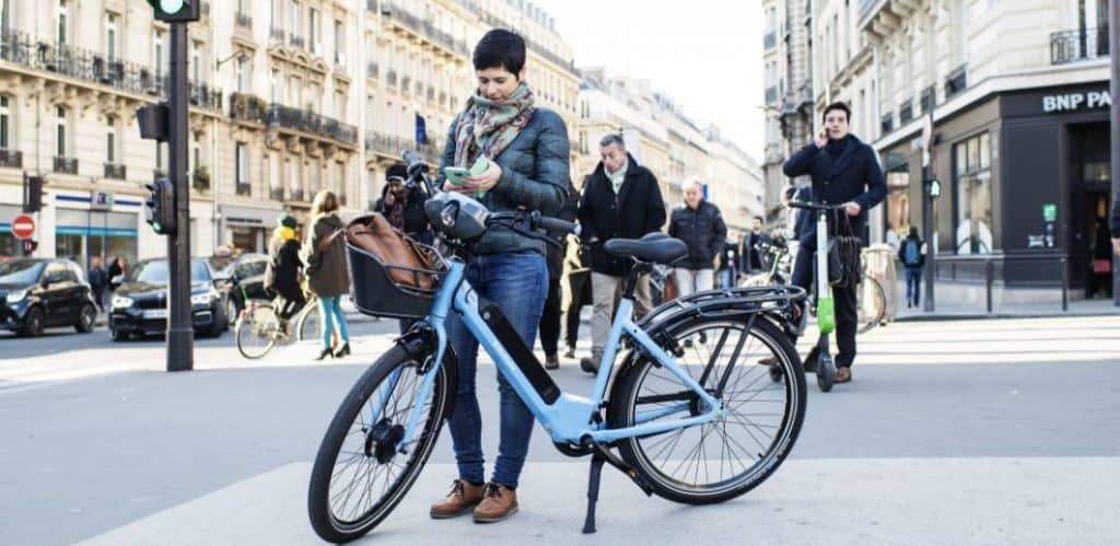 Easy E-Biking - Véligo Opens Long-term E-bike Rentals in Paris this June