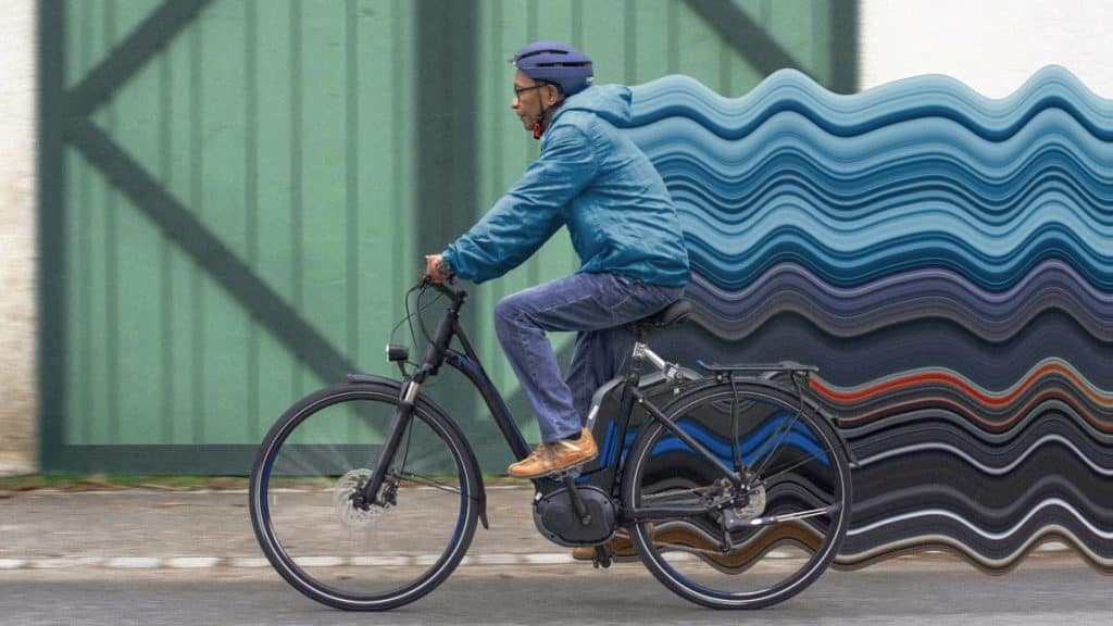 Easy E-Biking - electric bicycles in dynamic motion, helping to make electric biking practical and fun