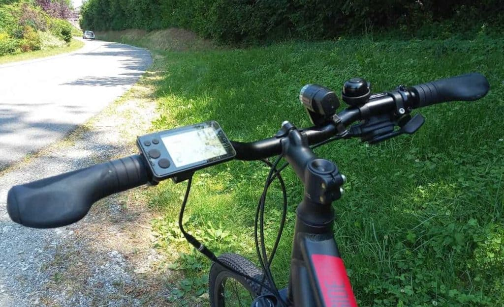 Easy E-Biking - riverside e-bike handlebar and controls, helping to make electric biking practical and fun