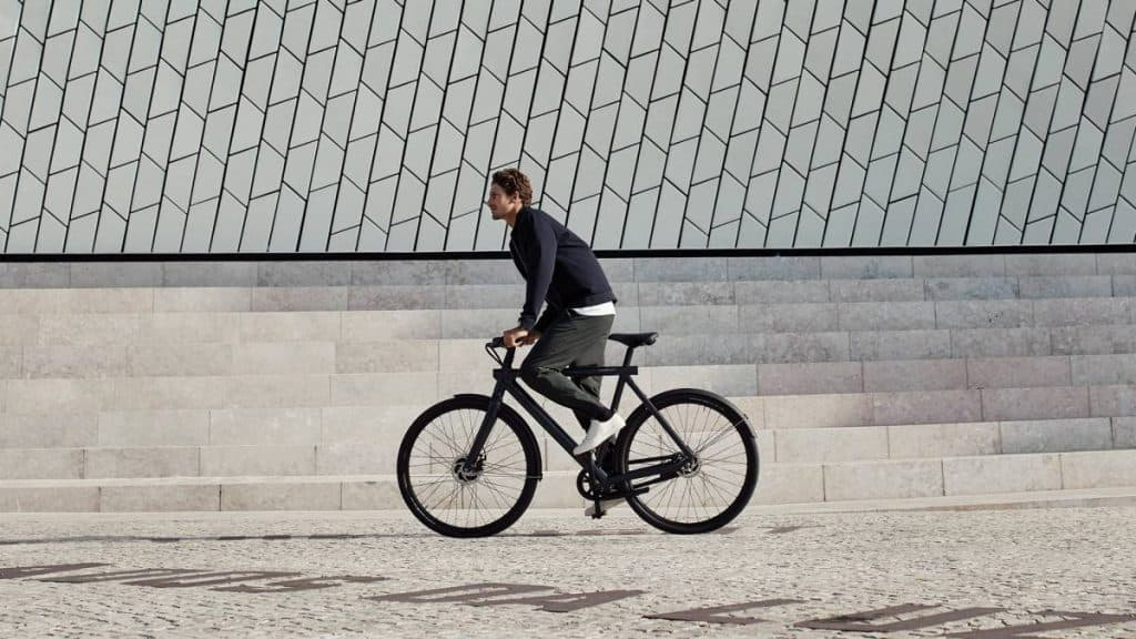 Easy E-Biking - VanMoof Electrified S2 electric bike, helping to make electric biking practical and fun